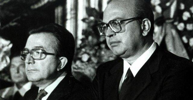 Giulio Andreotti e Bettino Craxi, i leader dei due schieramenti contrapposti sul sequestro Moro