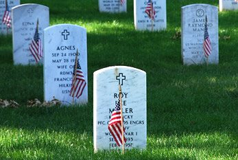 """Here rests in honored glory an american soldier know but to God"""